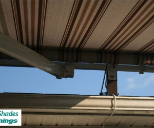 Elite_Motorized_Retractable_Awning_Roof_Mount_Brown_Stripes